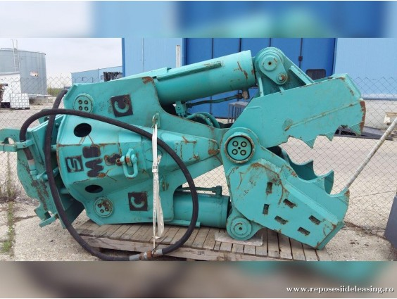 Clește demolator Montabert MB5 din 2000