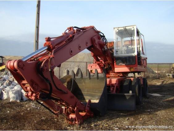 Excavator pe roti Liebherr 912 din 1981