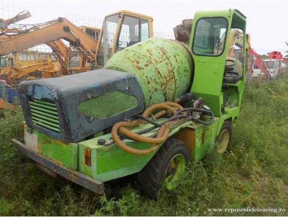 Betonieră autoportantă AMOG D'AVINO 415 din 2003
