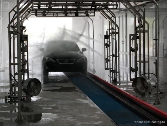 Tunel pentru spălătorie auto Hanna cu band rulantă din 2008