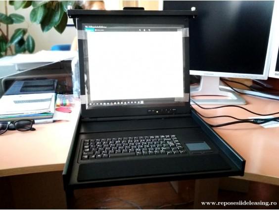 Consolă LCD rackabilă Avocent cu tastatură Cherry, 2015